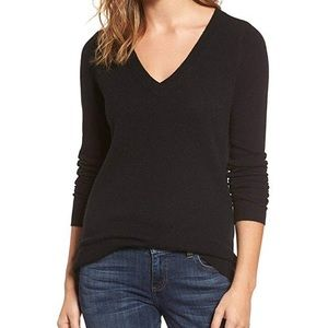 Sexy ribbed black vneck Classic warm sweater